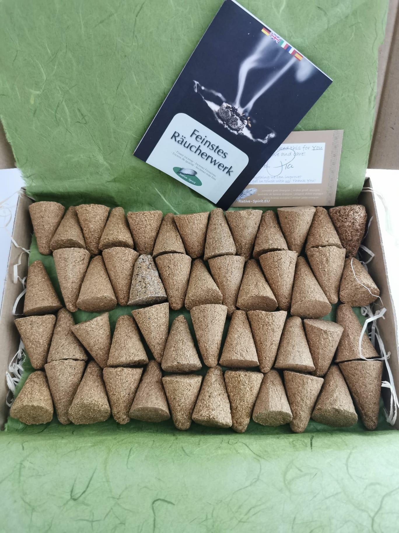 Palo Santo Räucherkegel 50 Stk. je ca. 3,5 - 4 cm, Cones aus dem Heiligen Holz des Palo Santo (bursera graveolens), 100% reine Qualität aus Peru, perfekt für Meditation, Duftzeremonien, Entspannung